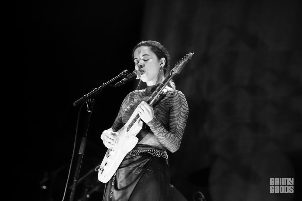 Nilüfer Yanya at the Ace Theatre shot by Danielle Gornbein