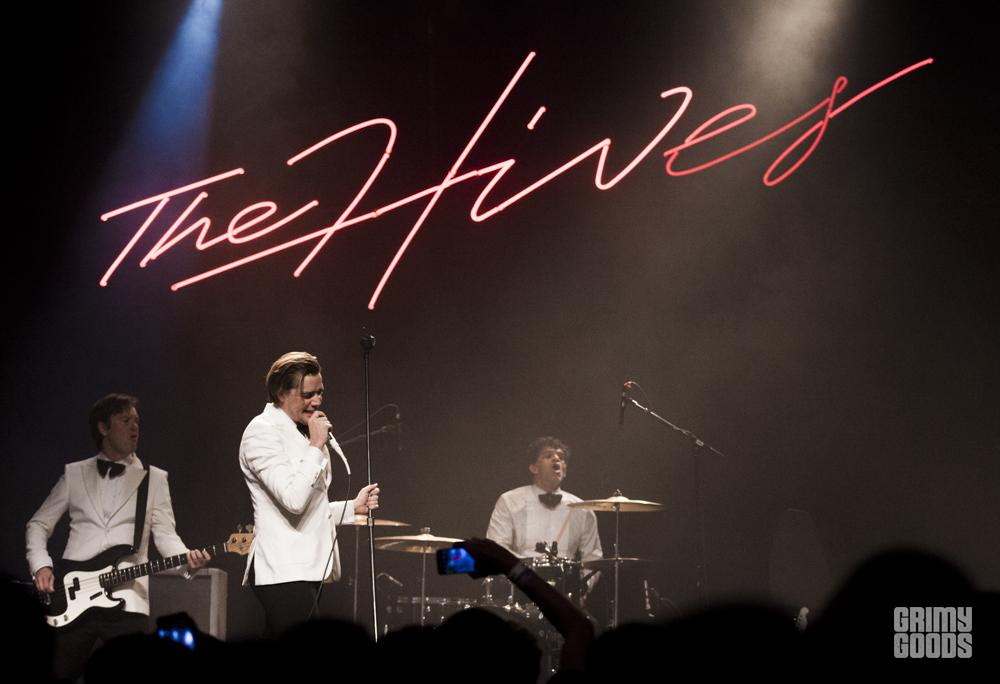 the-hives-fox-theater-pomona-391