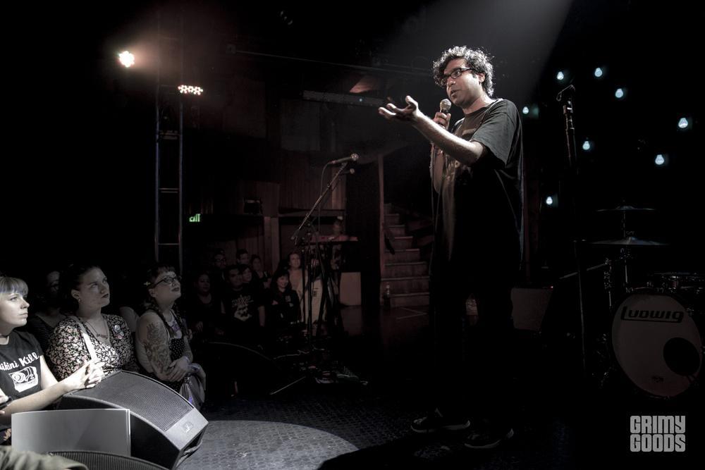 Julie Ruin_Troubadour-1