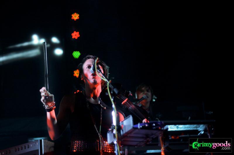 Arcade Fire Sara Nue