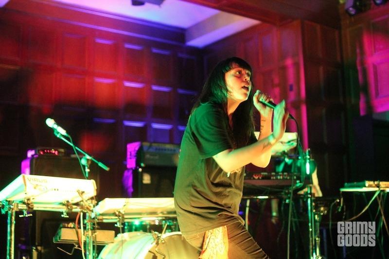 Sister Crayon live photos