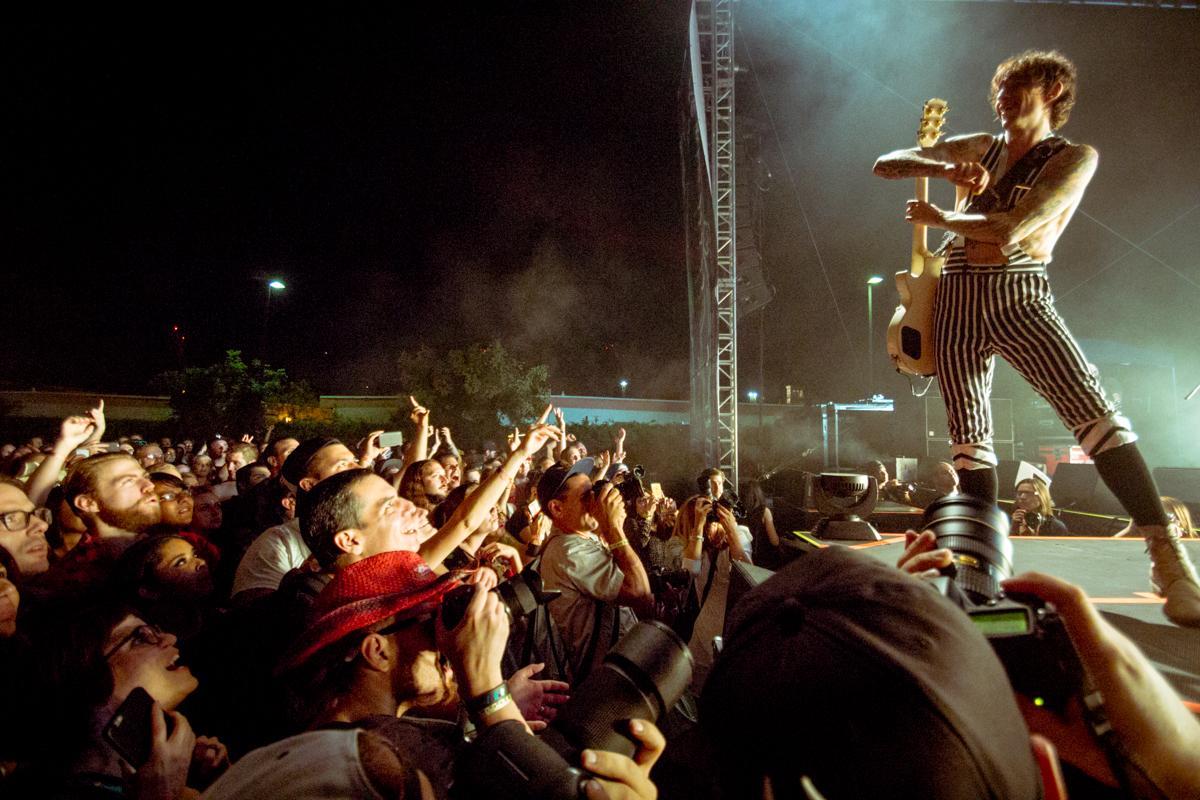 The Darkness festival Supreme