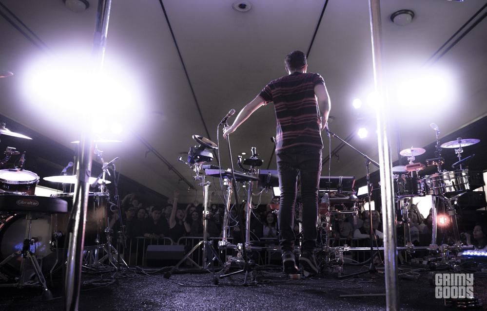 Robert Delong performing at the Natural History Museum in Los Angeles, California, photo by Wes Marsala
