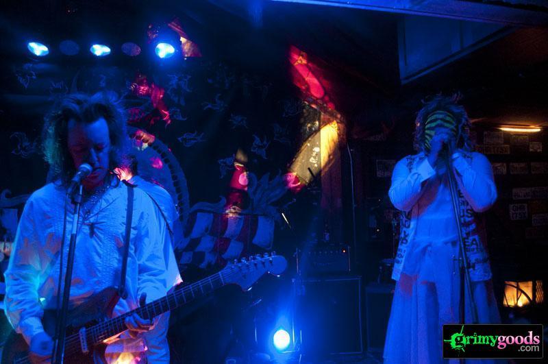 Sacred-Bones-5-year-Anniversary-Celebration-in-the-Mojave122112-12