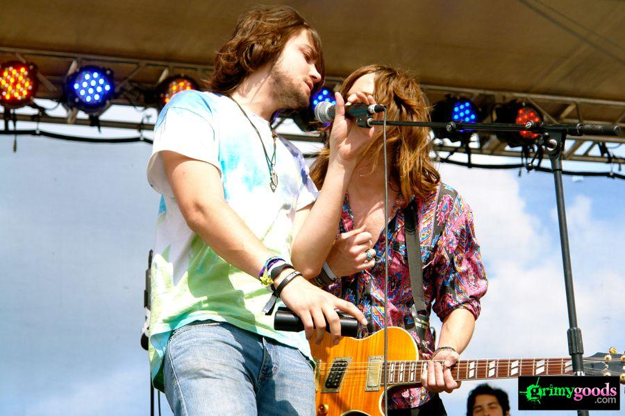 Sasquatch-2011-photos-White-Arrows71