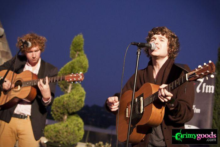 The Kooks at 98.7fm hollywood tower penthouse23