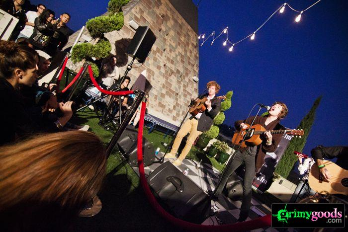 The Kooks at 98.7fm hollywood tower penthouse27