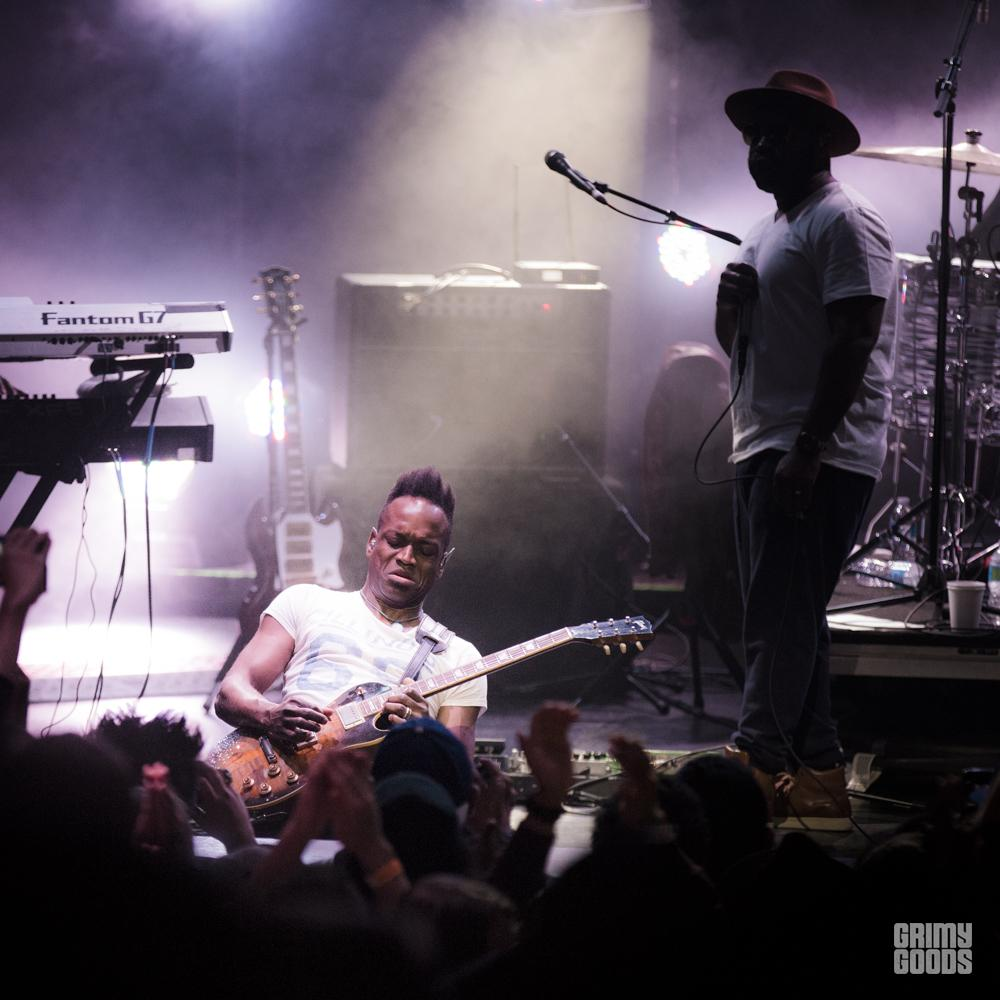Captain Kirk Douglas of the Roots at the Observatory, Santa Ana, Ca photo by Wes Marsala