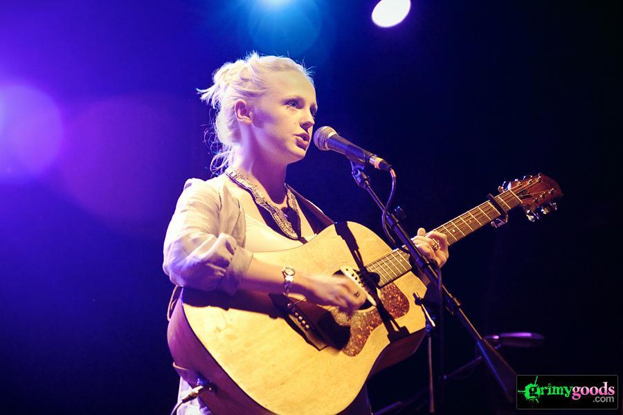 Laura Marling live photos