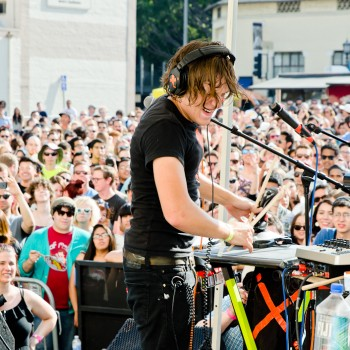 Robert DeLong Photos
