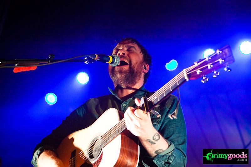win tickets to frightened rabbit at the glas house