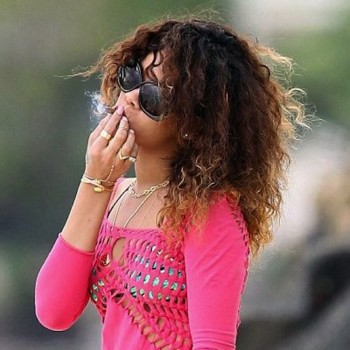 rihanna smoking week photos