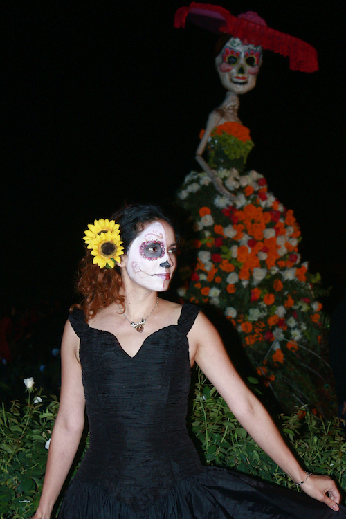4-Day-of-the-Dead-celebration-Hollywood Forever
