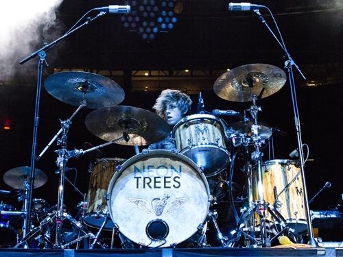 Elaine Bradley best female drummers