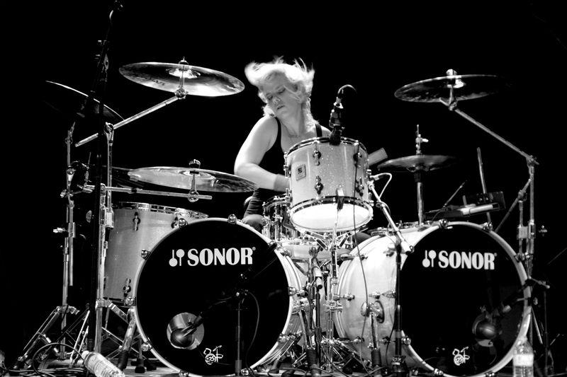 samantha-maloney-64 best female drummers