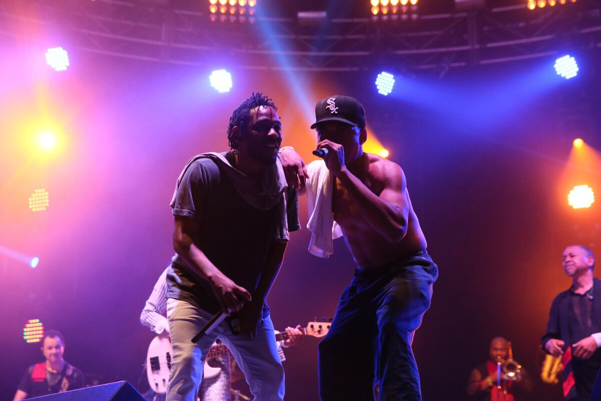 Kendrick Lamar and Chance the Rapper freestyling during Earth, Wind & Fire