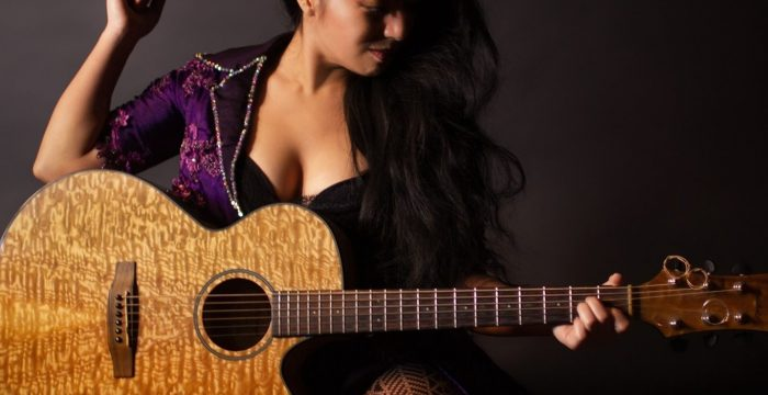 Saloon Rock Godess Rachel Oto
